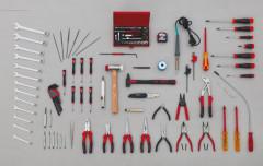 composition 104 outils maintenance informatique bureautique